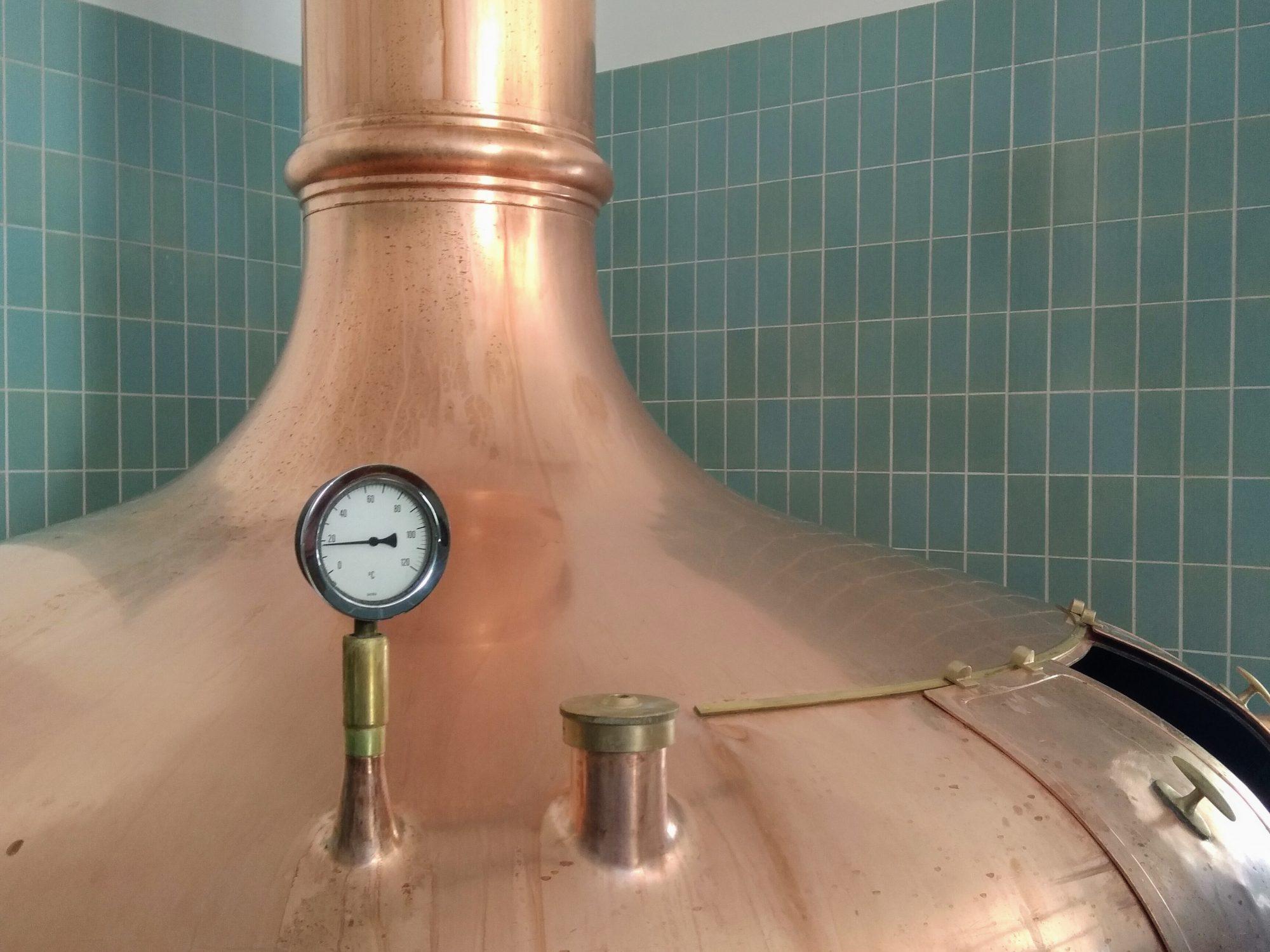 Koperen brouwketel bij de Oostenrijkse brouwerij Trummer Bräu.