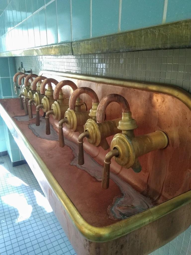 spoelkranen oude brouwerij-installatie Trumer Bräu (Oostenrijk)