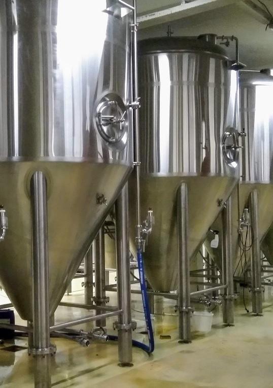 interieur van een craft brouwerij in Nederland