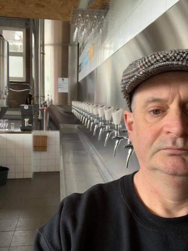 Peter Rouwen in het gesloten proeflokaal van Brouwerij Noordt