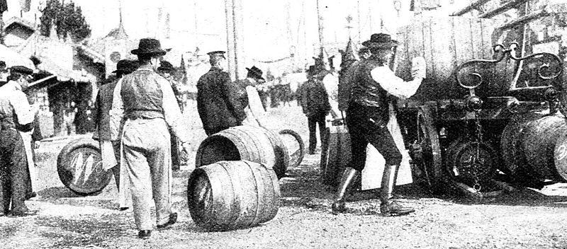 Bevoorrading van Märzenbier op het Oktoberfest in München in het jaar 1908.