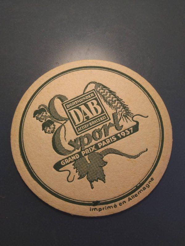 Biervilt van de Dortmunder Actien Brauerei gedateerd uit de vroege jaren 1950.