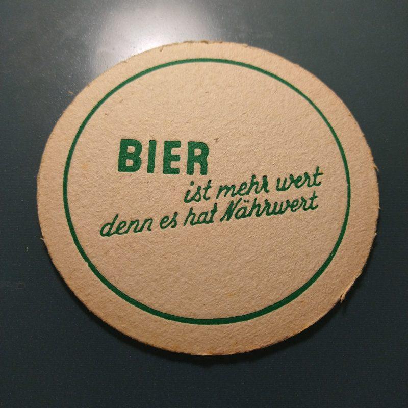 biervilt uit de jaren '50 met de tekst 'Bier ist mehr wert denn es hat Nährwert'