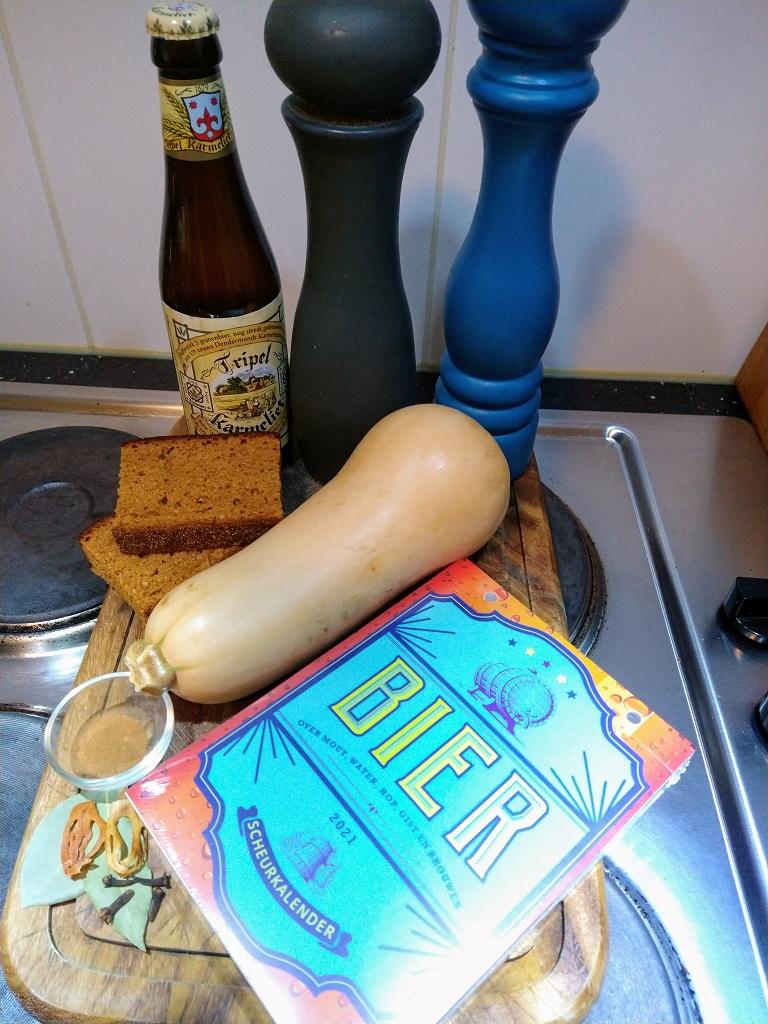 ingrediënten voor het recept stoofschotel met pompoen en Karmeliet Tripel