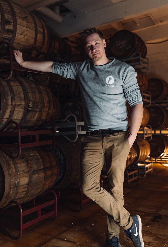 Als brouwer van Frontaal is Roel Buckens een echte expert op het terrein van barrel aged bier
